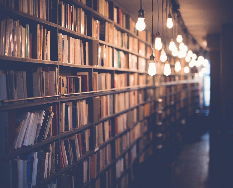 books-2596809_1920